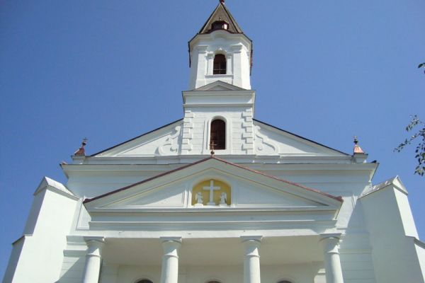 plebania-templom-biserica-parohiala8C088C54-D2CF-DCC3-EFFF-02A67BDC8BF4.jpg