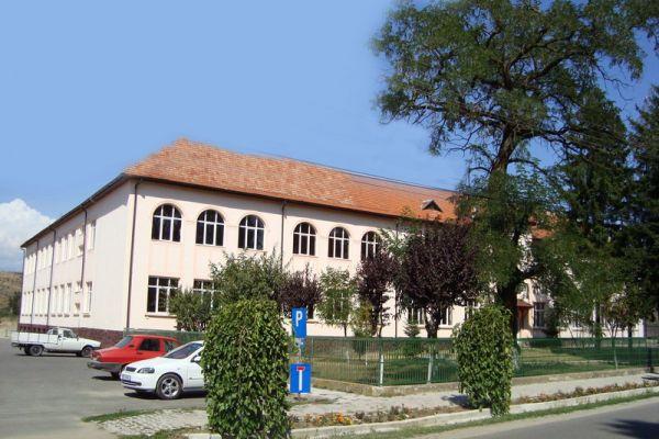 gelencei-jancso-benedek-iskola-scoala-cu-clasele-i-viii-ghelintaDE2DB895-9DBC-5BBF-2168-F030560BA2D0.jpg